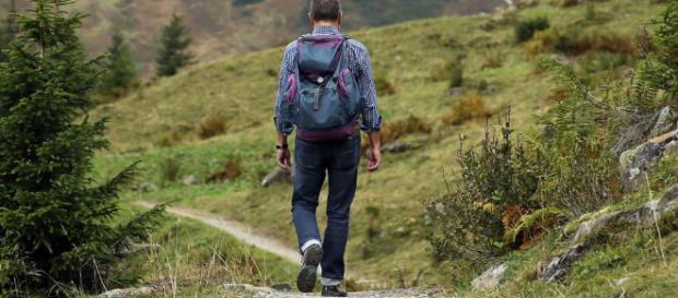 Los múltiples beneficios de practicar senderismo