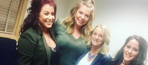 Jenelle Evans poses with 'Teen Mom 2' co-stars. [Photo via Instagram]