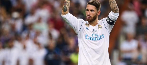Zagueiro Sergio Ramos se defende de acusações sobre atuação na final e ironiza Liverpool.