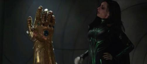 A new fan theory explains the fake Infinity Gauntlet seen in several Marvel films. [Image via Movie Nation/YouTube]