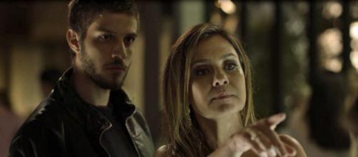 Ícaro e Laureta são presos em Segundo Sol (Foto: TV Globo)