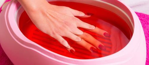 La parafina brinda suavidad y elasticidad en manos y pies. - socorroestetica.com
