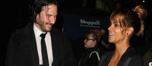 Posible romance entre Halle Berry y Keanu Reeves