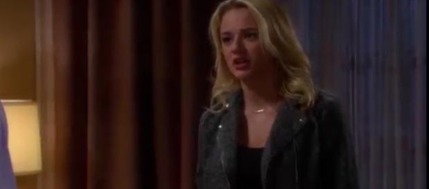 Summer Newman returns to Genoa City to heat things up. (Image via The Emmy Awards/YouTube screenshot).
