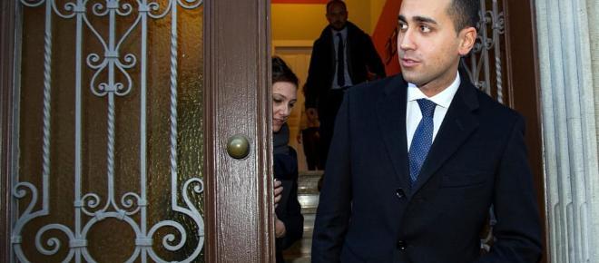 Tasse: Di Maio promette la fine delle 'persecuzioni fiscali' e il blocco dell'Iva