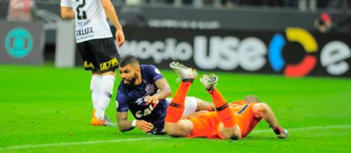 Em jogo apático, Corinthians e Santos só empatam na Arena