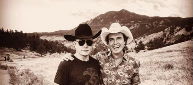 Elon Musk with his brother Kimbal. - [Photo by: Elon Musk - Instagram]