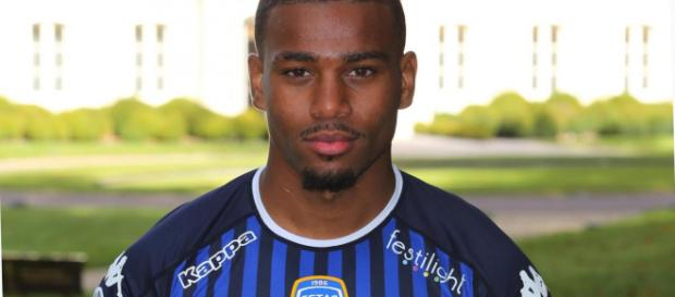 Samuel Grandsir, attaquant de Troyes, va signer avec l'AS Monaco en ce début de mercato.