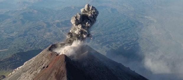 Vulkan Fuego in Guatemala - vulkane.net