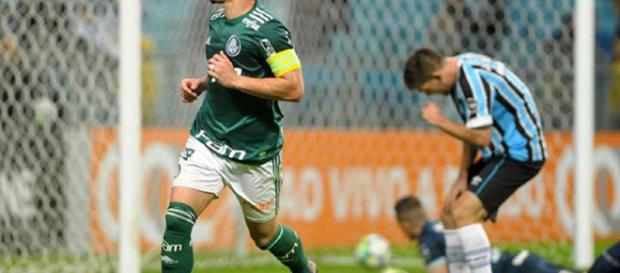 Willian brilha na segunda etapa e Palmeiras vence o Grêmio