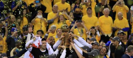 NBA : Golden State sacré pour la deuxième fois en trois ans ... - france24.com