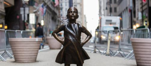 An image of the Fearless Girl Statue in New York City which aims to encourage gender diversity in the workforce. Image Credit: Quintano Media