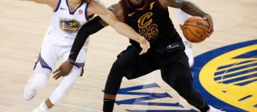 Los Warriors vencen a los Cavaliers en el tercer partido de la final