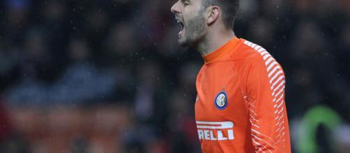 Il Napoli pensa a Handanovic, l'Inter smentisce - passioneinter.com