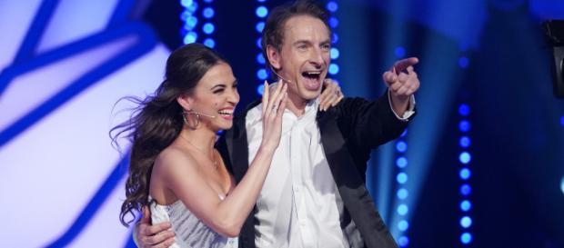 Ingolf Lück und Ekatarina Leonova freuen sich über den Finaleinzug bei Let's dance - Foto: MG RTL D / Stefan Gregorowius