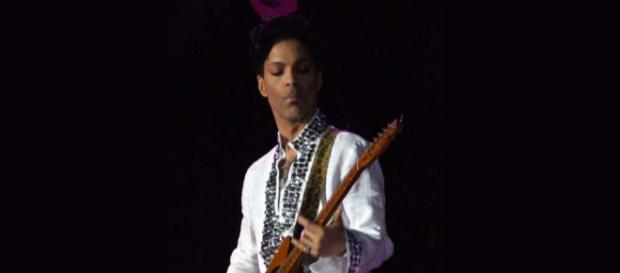 """Prince's estate has given permission for a new album """"Piano & A Microphone"""" to be released [Image penner/Wikimedia]"""