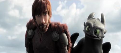 Cómo entrenar a tu dragón 3 Hipo aparece con una barba