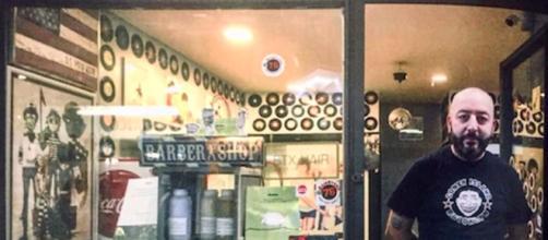 Napoli, Salvatore Visone offre piega gratis alle donne con pensione minima