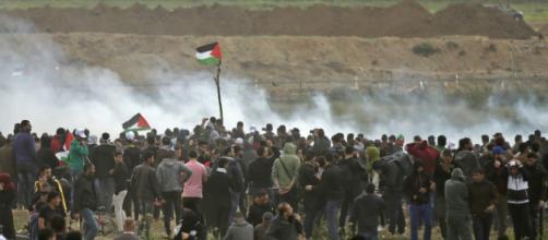 Rassemblement de Palestinien à la frontière israélienne.