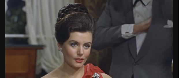 Eunice Gayson, the first Bond girl, has died at the age of 90. [Image Moonphase.fr/YouTube]