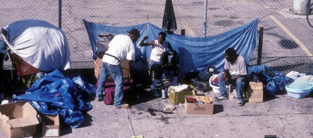 """Los """"homeless"""" de Skid Row en Los Ángeles no reciben ayudas sociales necesarias para salir de estas condiciones de vida. - dailymail.co.uk"""