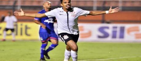 Pouco aproveitado no Corinthians, Junior Dutra pode reforçar o Fluminense (Foto: Portal Net Flu)