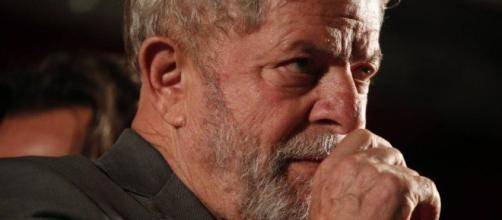 Segundo colunista da Veja, Lula sabia da decisão de Favreto e trama teria sido combinada