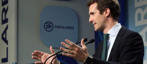 Pablo Casado invita a Santamaría a debatir para contrastar ideas