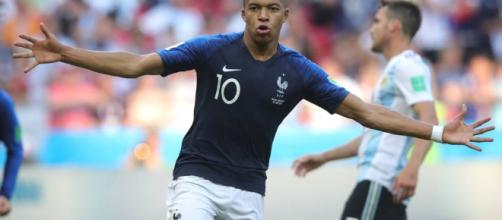 França eliminou Argentina com atuação fulminante de Mbappé .