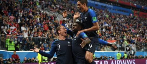 Francia vence 1 a 0 a Bélgica gracias al gol de Umtiti