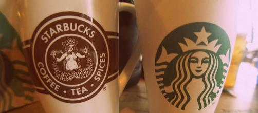 Modern and Classic Starbucks logo seen on two cups (Image courtesy – Aneil Lutchman, Wikimedia Commons)