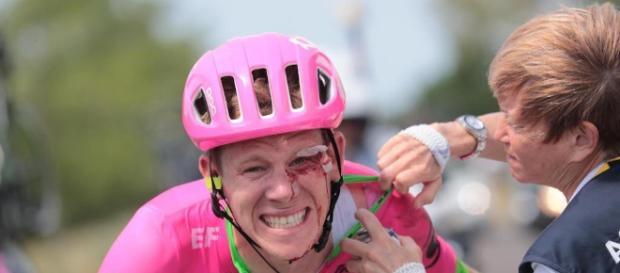 Craddock al Tour dopo la brutta caduta alla tappa 1 (foto twitter)