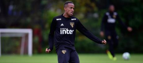 Jogador foi revelado nas categorias de base do São Paulo