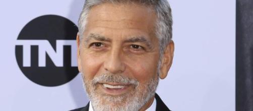 ITALIA / George Clooney resultó lesionado en un accidente de moto