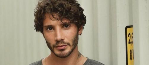 Gossip: Stefano De Martino, dopo Gilda Ambrosio, flirta con la Buccino