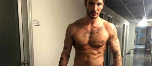 Gossip, Stefano De Martino ha un nuovo flirt secondo il settimanale Chi.