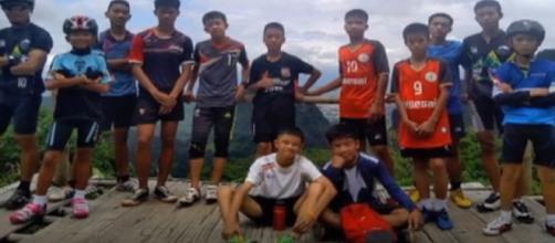 TAILANDIA / Los niños rescatados aún no pueden ver a sus familiares