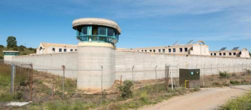 Urdangarín recibe la visita de su hijo Juan y la infanta Cristina en la cárcel de Brieva