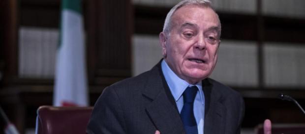 Gianni Letta racconta la sua biografia al Premio Agol a Roma