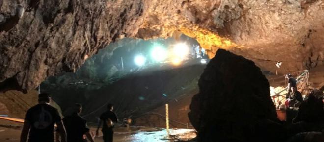 Hollywood quer produzir filme sobre resgate de crianças em caverna na Tailândia