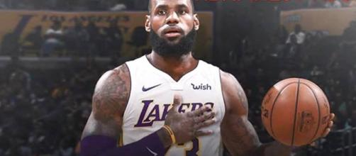Los Angeles Lakers exec says LeBron is only guaranteed starter [Image by nbafinestvids / Instagram]