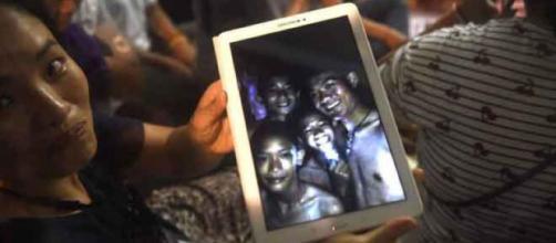 Thailandia, i bambini usciti dalla grotta - blastingnews.com