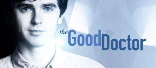 Freddie Highmore interpreta il dottore protagonista della serie record 'The Good Doctor' su Raiuno.