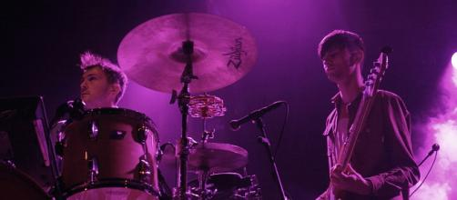 Glass Animals have cancelled all their 2018 tour dates after drummer Joe Seaward was in an accident. [Image Alterna2/Flickr]