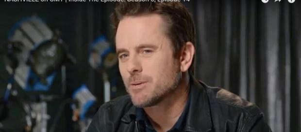 Charles Esten captures a moment of Deacon seeing the good in his dad on 'Nashville' in 'For the Sake of the Song.' [Image source: CMT-YouTube]