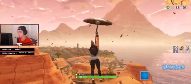 Faze cLoak landing on a new map location in 'Fortnite' - [Image Credit: Fortnite Poggers/YouTube]
