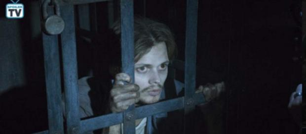 """Reviews are in for the new Stephen King anthology series """"Castle Rock."""" [Image Credit: GifsofSkarsgard/Twitter]"""