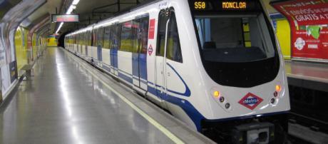 MADRID / Un hombre mata a otro al empujarle a las vías del metro y es detenido