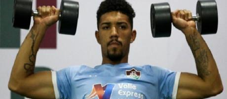 Destaque do Flu, Douglas interessa ao Corinthians (Foto: Lucas Merçon)