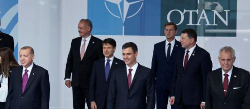 Donald Trump carga contra España en la Cumbre de la OTAN